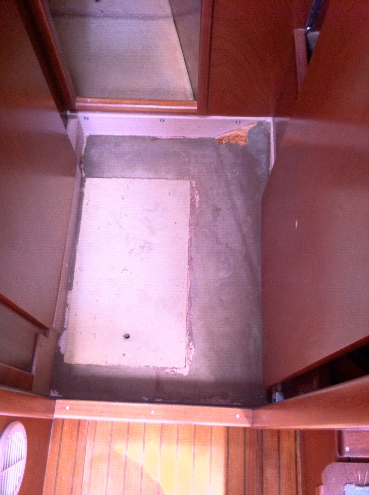 Forward Cabin and Head Hallway - needing Loncoin Flooring - Cerulean